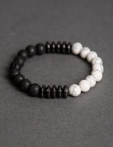 Βlack&white bracelet and...