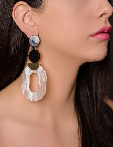 Βlack & white tartaruga long drop earrings