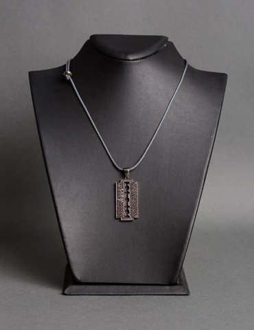 Razor grey necklace