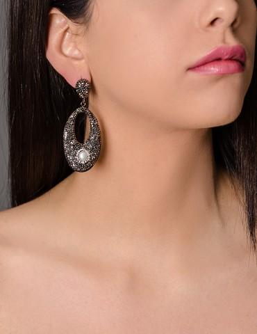 Οval black drop earrings...