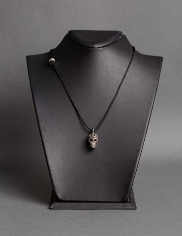 Βlack string necklace with...
