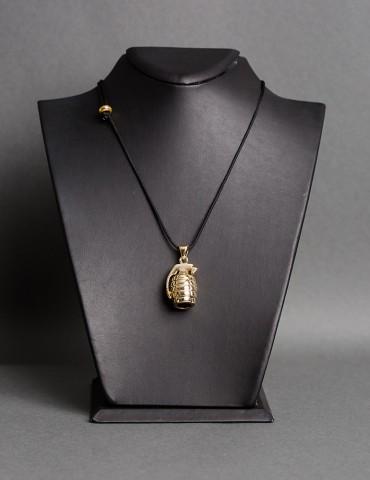 Βlack chain necklace...