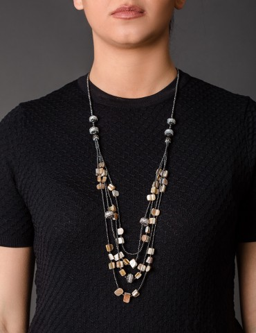 Layering long necklace with fildisi stones