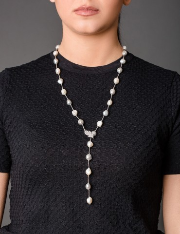 Long necklace with natural...