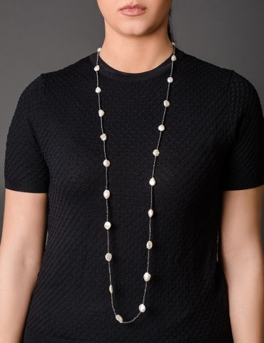 Βlack long necklace with...