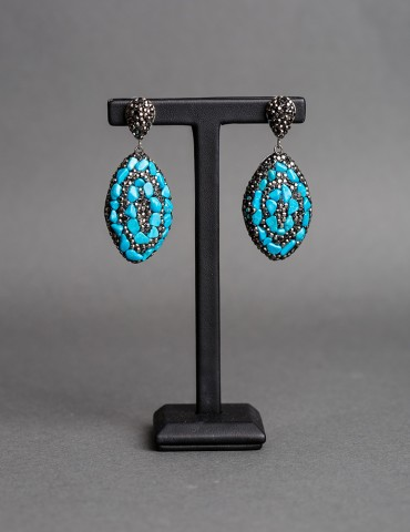Drop earrings with black and turquoise stones