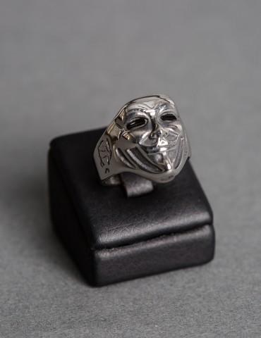 Ασημένιο δαχτυλίδι με φιγούρα