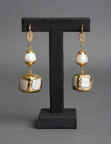 Gold plated drop earrings...