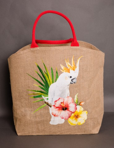 Straw bag with parrot design