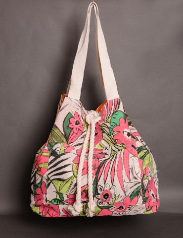 Μulti-coloured bag with flower design
