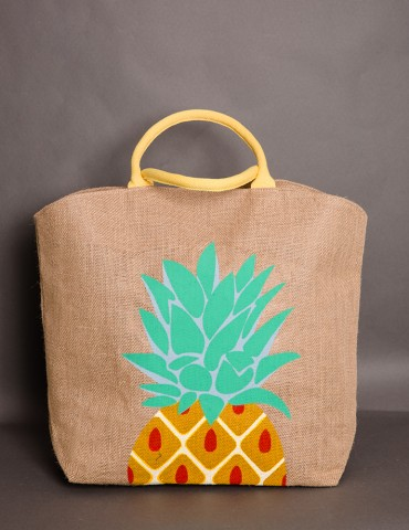 Straw bag with pineapple...